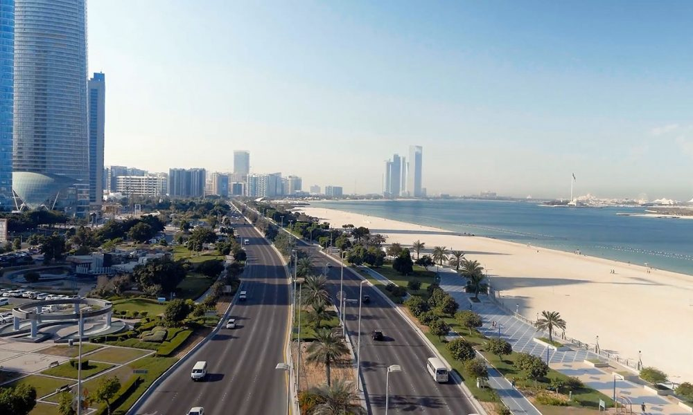 Abu-Dhabi-beach-road