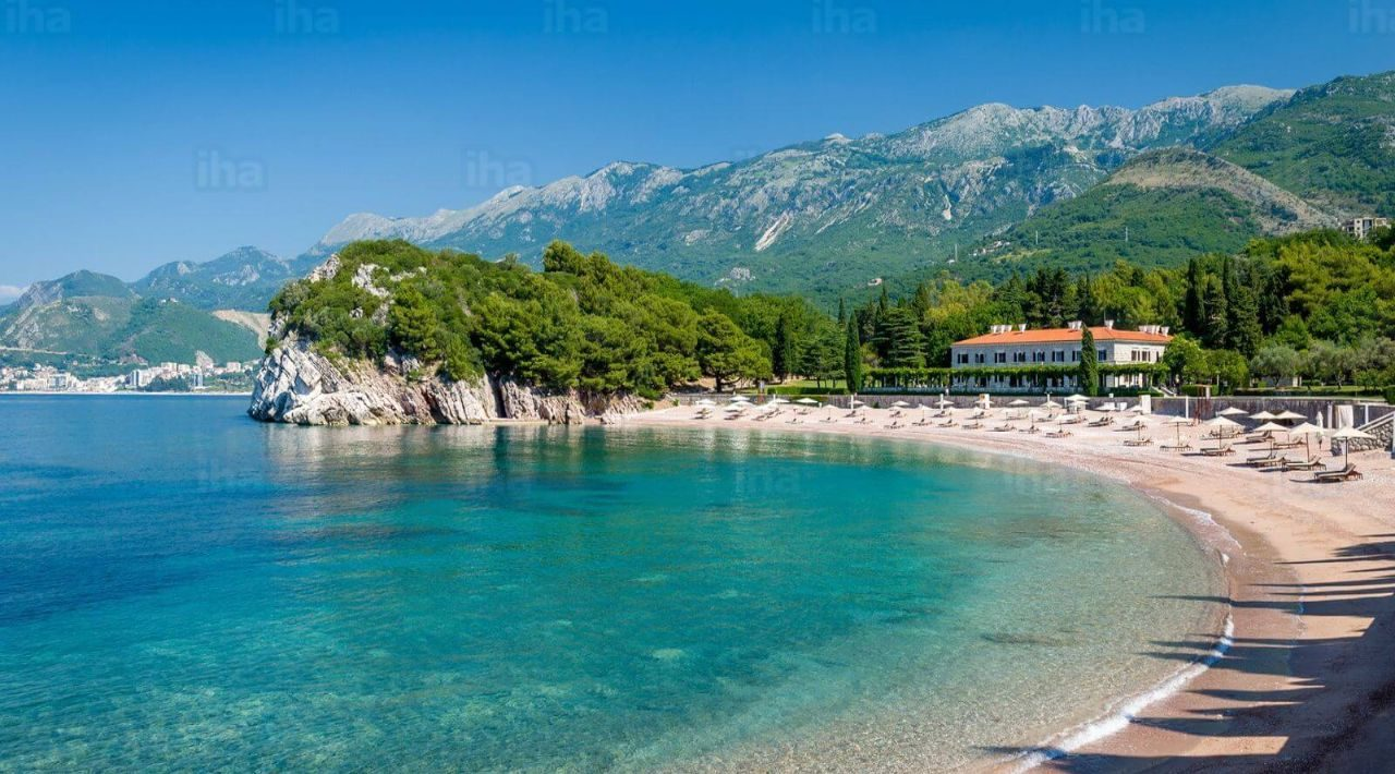 Becici-Sand-beach-in-budva