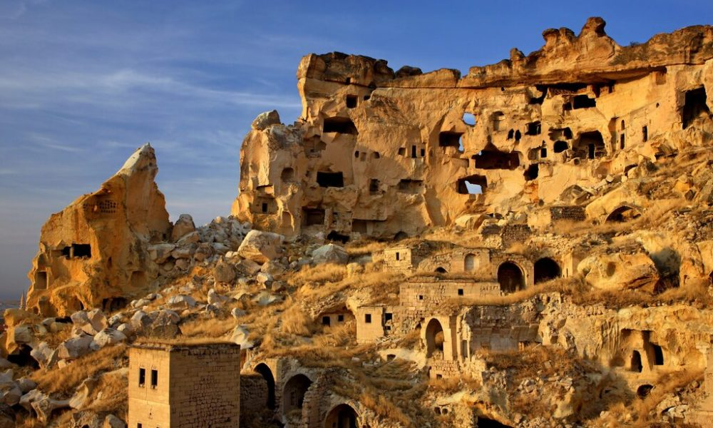 rsz_discover-the-labzrinth-of-cavusin-village-on-the-southern-cappadocia-tour-from-goreme-scaled