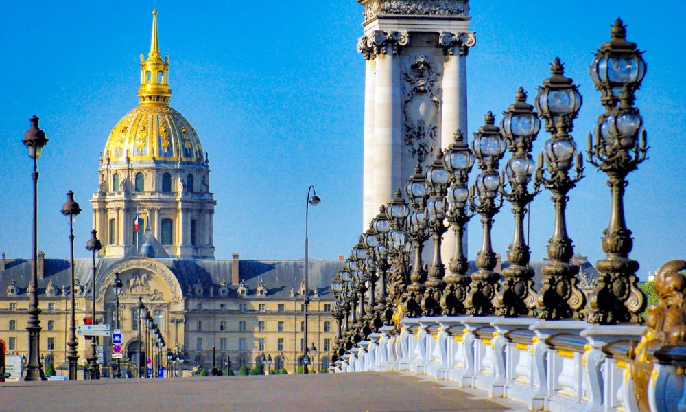 xPont-Alexandre-III-Paris-18-copyright-French-Moments.jpg.pagespeed.ic.hCrn_2SxU2